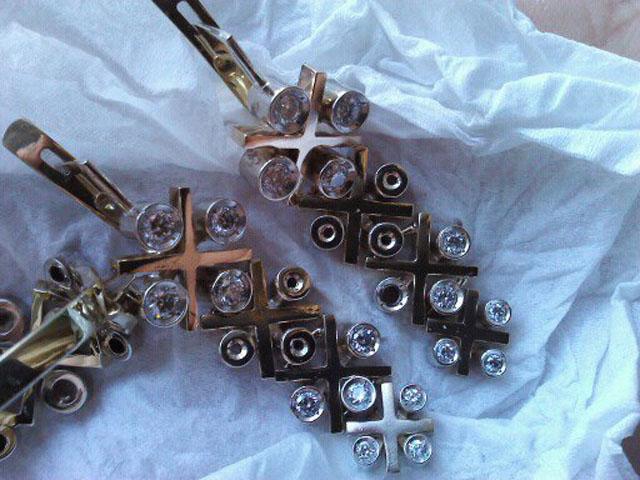 135974 Комплект золотые серьги и кольцо с бриллиантами